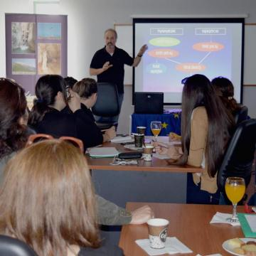 O κ. Ξηρουχάκης, Δρ. Βιολόγος-Ορνιθολόγος, παρουσίασε τα είδη προτεραιότητας της Κρήτης