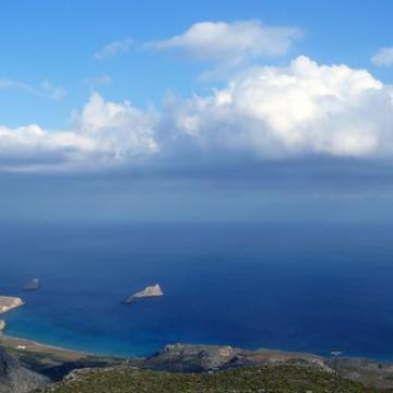 Ξηρόκαμπος και νήσοι Καβάλλοι, κατεβαίνοντας από το Χαμαίτουλο