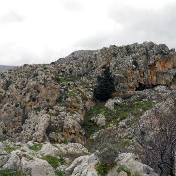 Η βόρεια είσοδο του φαραγγιού γίνεται από το χωριό Πάνω Περβολάκια.