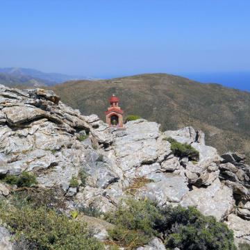 Εμφανής και αδιάλειπτη η ανθρώπινη παρουσία σε όλο τον ορεινό όγκο των Αστερουσίων.